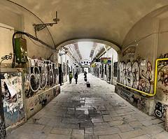Bucarest - rue Lipscani - Auberge aux tilleuls - 22-03-2008 - 16h12