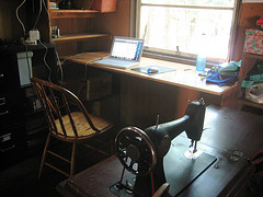 the cybercafe (and sewing room) at stonelake farm